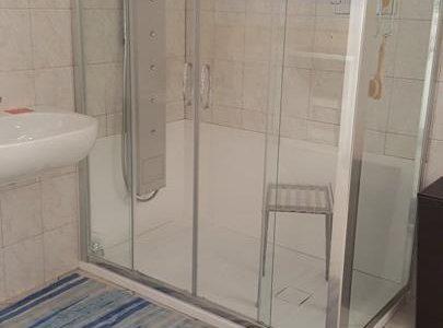 Trasformazione da vasca da bagno in doccia: un esempio